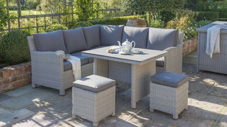 Tips To Decorate Your Rattan Garden Furniture Aleshatech
