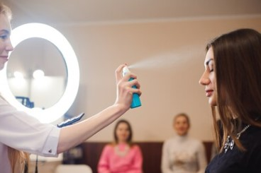 What Makes Vanity Mirrors with LED Lights the Best Makeup Mirrors?