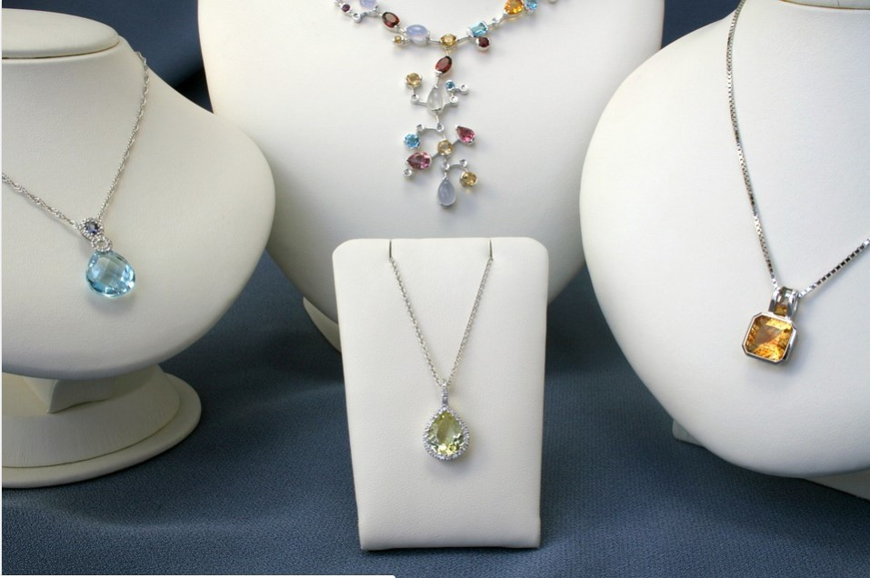 Canary Diamond Pendant; What You Need to Look Amazing
