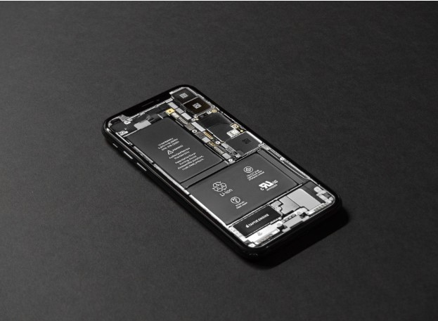 Aiwoit Battery for iPhone; What Your iPhone Needs