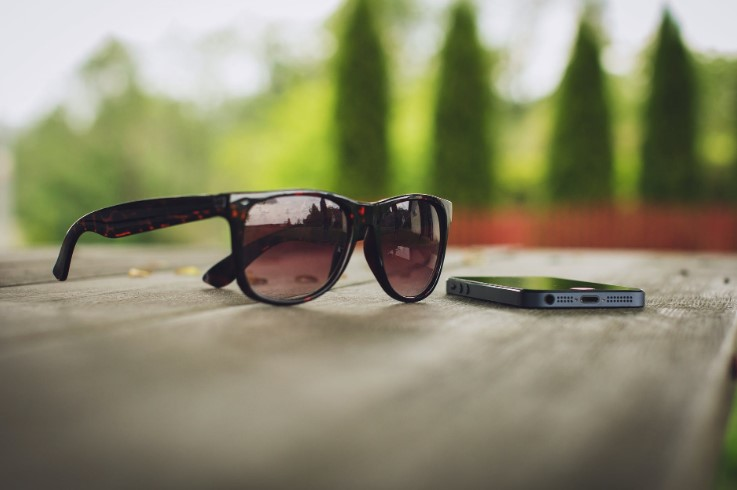 Sunglasses Guide: Style Advice & Tips