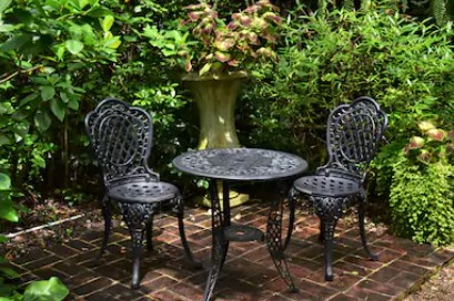 How to select the best material for your rattan garden furniture