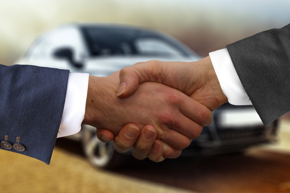 How to Become a Top Car Dealer in Santa Monica, CA