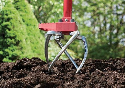 How to Pick the Right Hand Tiller for Your Garden