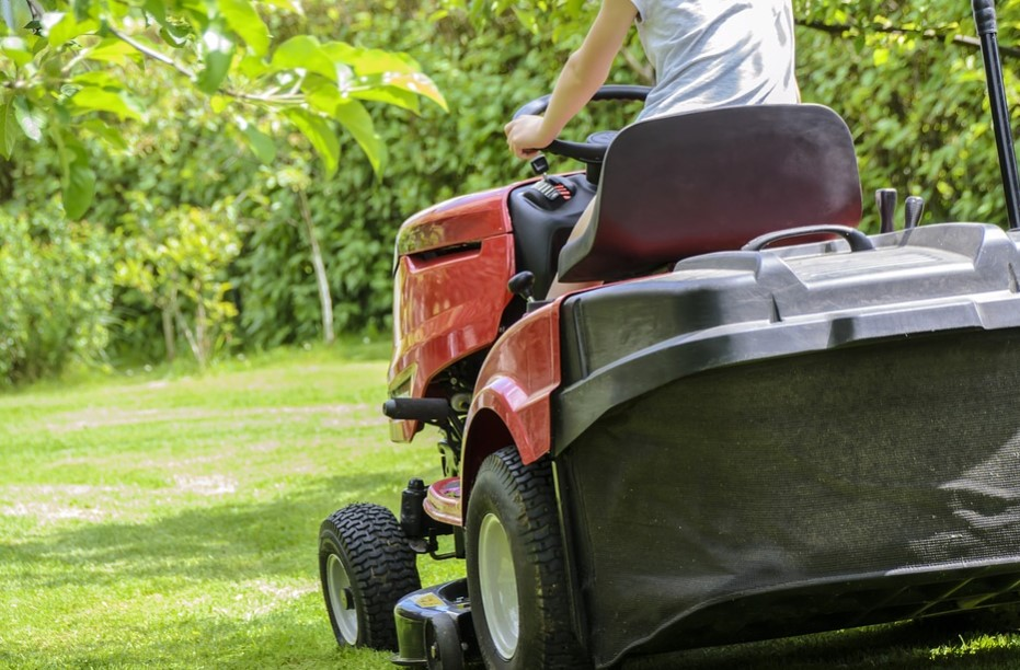 All You Need to Know About Rear Wheel Drive Lawn Mower