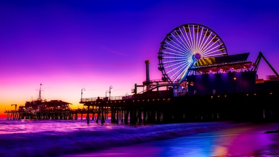 Why is Santa Monica a Great Place for Tourists and Residents?